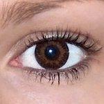 3 tones brown v detailu na původní barvě očí hnědé