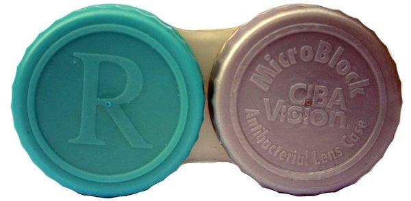 Anti-bakteriální pouzdro na sklerální čočky
