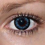 Be cool v detailu na původní barvě očí hnědé
