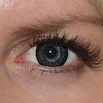 Awesome black v detailu na původní barvě očí modré