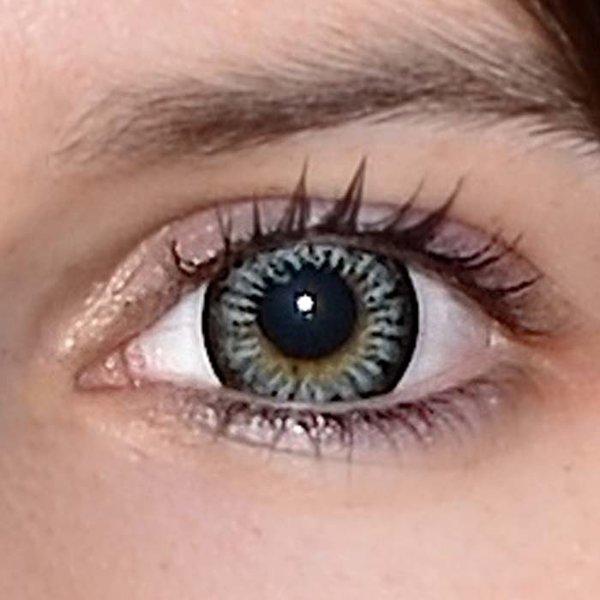 a9fa9fe09 ... Evening grey v detailu na původní barvě očí hnědo-zelené ...