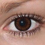 Be pretty hazel v detailu na původní barvě očí hnědé
